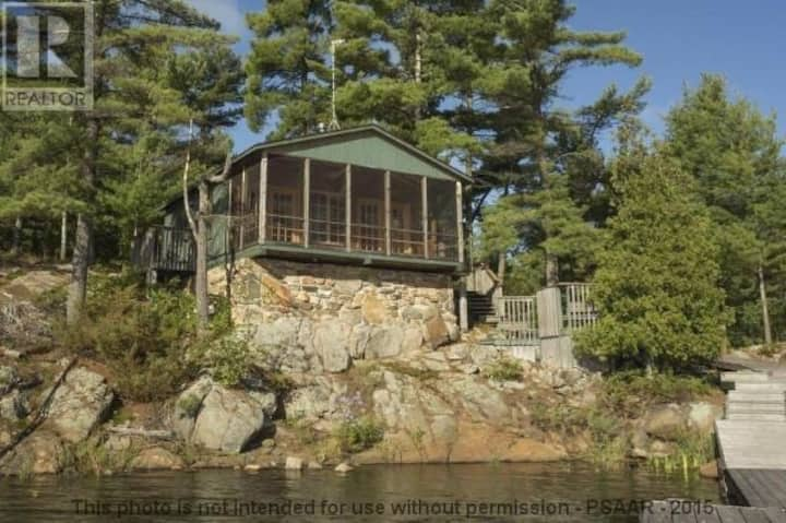 Private Island in Georgian Bay - Pointe Au Baril