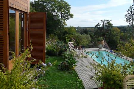 Maisons de Vignerons avec piscine - Bourre