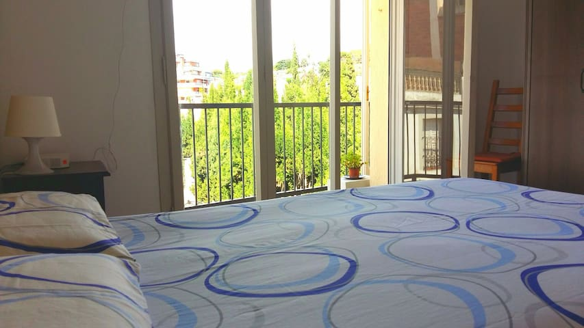 Low cost double bedroom near Barcelona - Sant Andreu de Llavaneres - Apartament