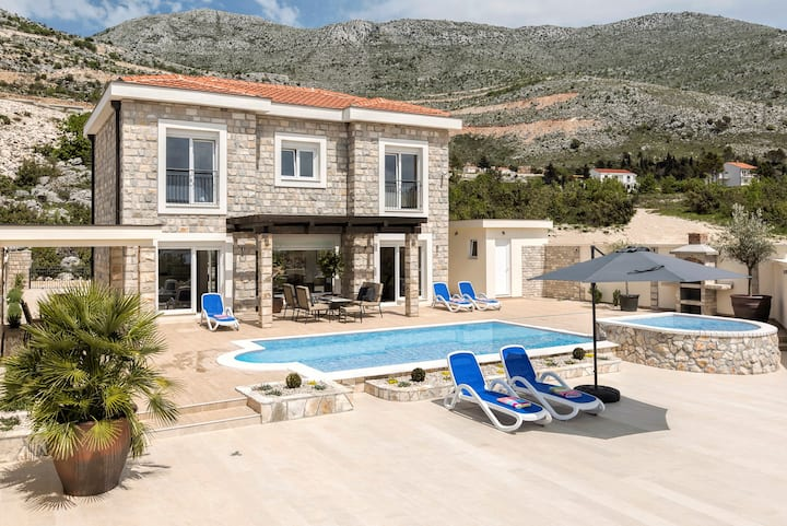 Villa Tamara with private pool/jet pool- Dubrovnik