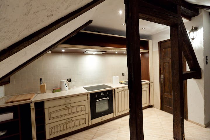 Przytulna duża sypialnia i 2 małe - Jelenia Góra