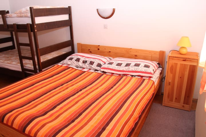 triple room Hostel Bohinj - Stara Fužina - Bed & Breakfast
