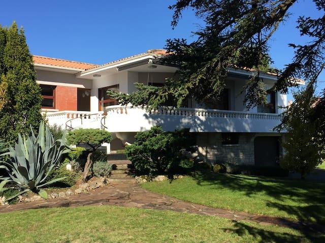 Belle villa avec piscine 100m du bassin maisons - Piscine andernos les bains ...