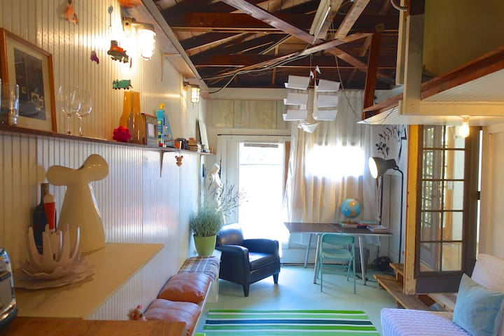 1BR California Art Loft by the Sea. Venice Beach