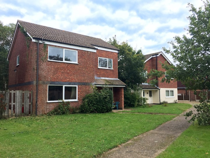 Torchwood House - family home - pet friendly