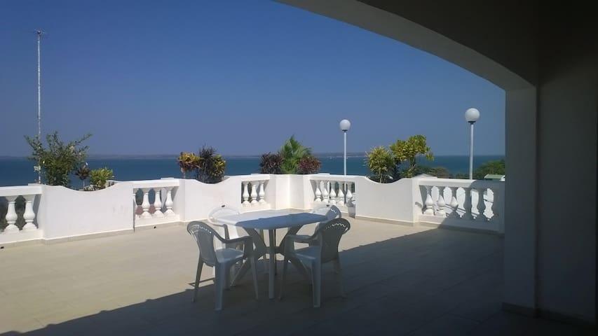 La Corniche, Traumhaus mit meeresblick
