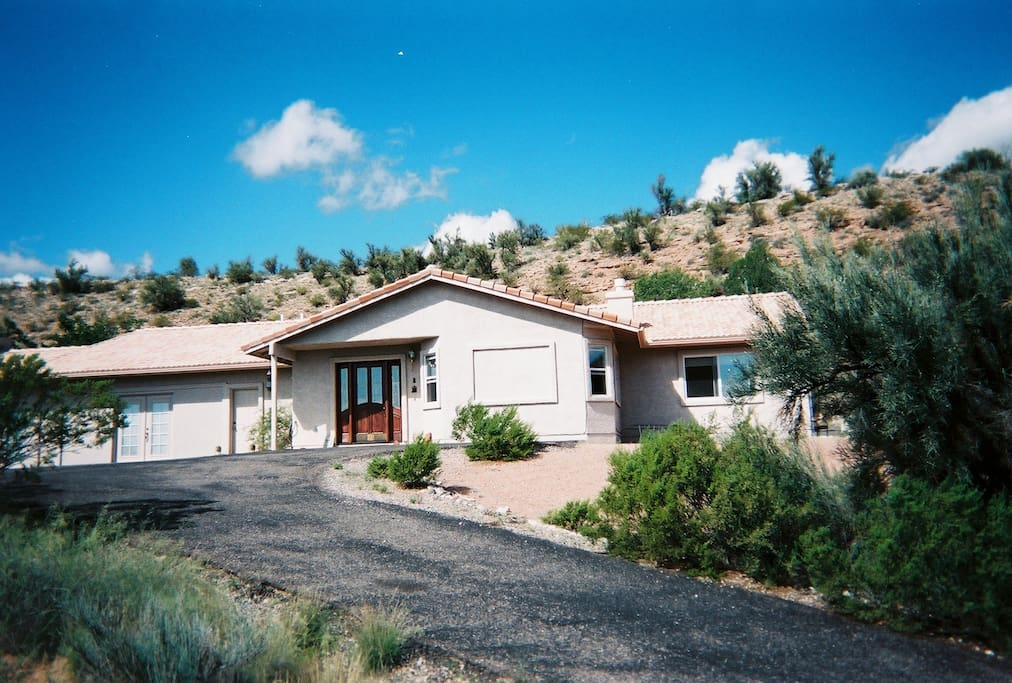 2,700 sq. ft. home on 2 acres, 20 minutes from Sedona