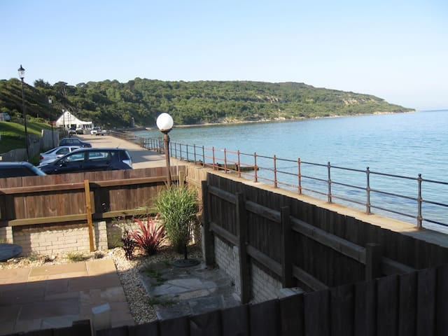 Ground Floor seafront apartment - Totland Bay - Pis
