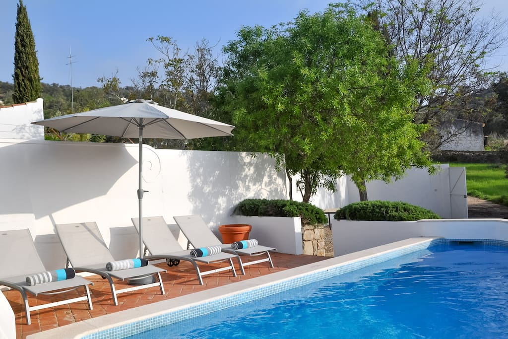 Casa Poente has a divine private plunge pool with 4 sun chairs
