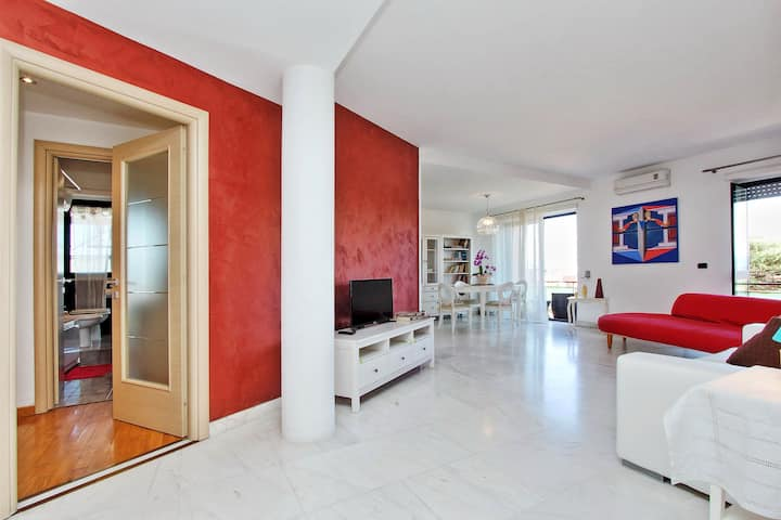 Wonderful Penthouse near Trastevere