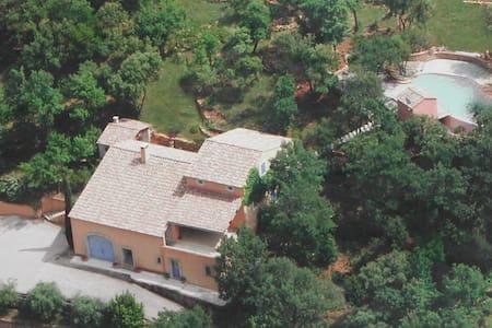 Villa 1400 Vallon des Folies - Le Beausset