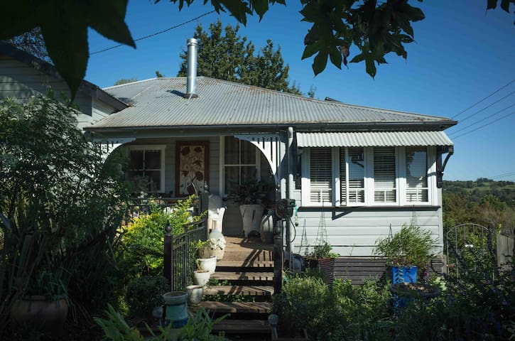 The Dorrigo Town House - Dorrigo - Bed & Breakfast