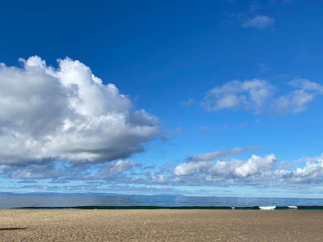 Newport Beach Contemporary - For Summer Escapes!
