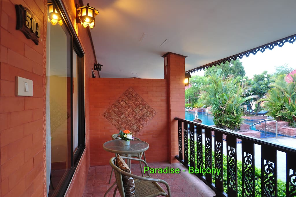 Ruenthai Paradise with Balcony