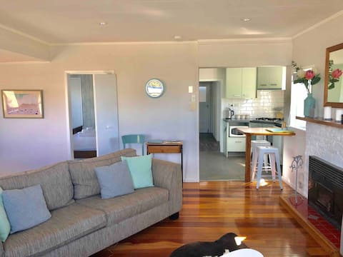 Village cottage- Plage de Raumati
