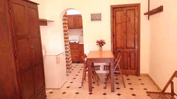 Camera con cucina e bagno a Linosa