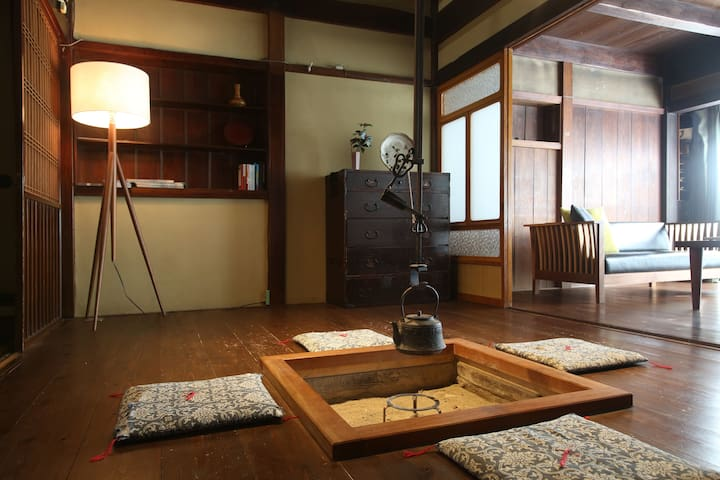IORI SETOGAWA 【Antique house on beautiful street】