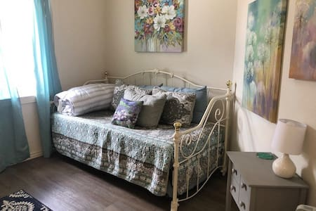 Main St • Pet Friendly & Family Apartment in Ouray