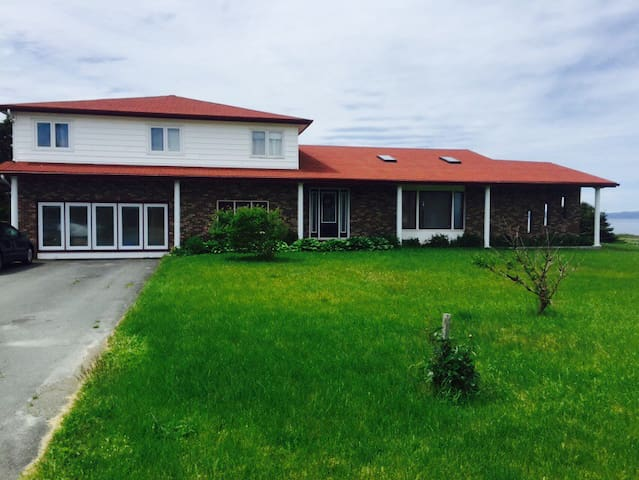 Seaside Suite & Wing Next to Trail - Conception Bay South - Huis
