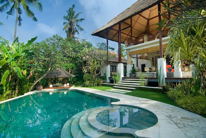 4BR UltimateLuxury Villa near Sanur Beach-50%disc!