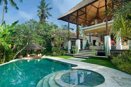 4BR UltimateLuxury Villa near Sanur Beach-50%disc!