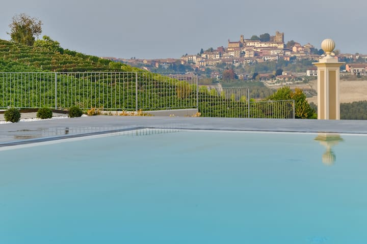 SPA & Pool on the hills, few steps away from Alba!