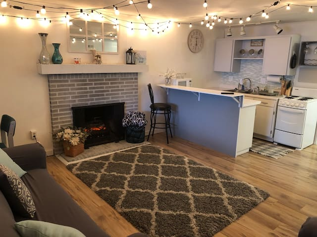 *Super cute  basement apartment just for you *