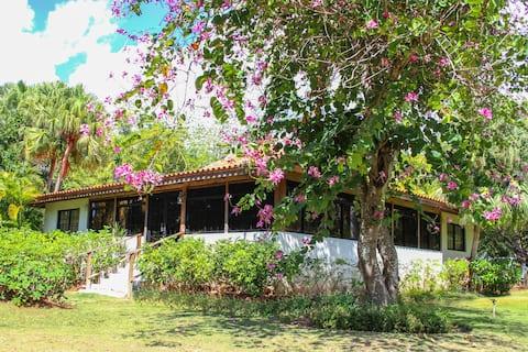 Casa de Campo Cousy 3bdr Villa mins away to beach