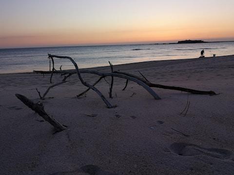 1400 м пляж, полностью отремонтированная студия Azul