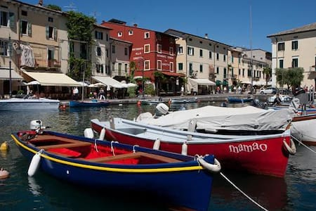 Apartment into Lazise's heart - old down town - - Lazise - Wohnung