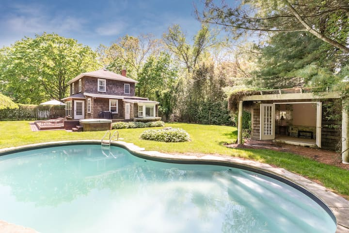 South Hampton Farm House