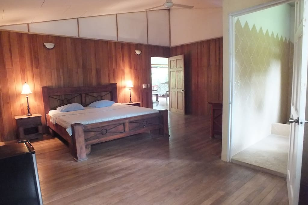 B b londres quepos costa rica chambres d 39 h tes louer for Chambre d hote londres