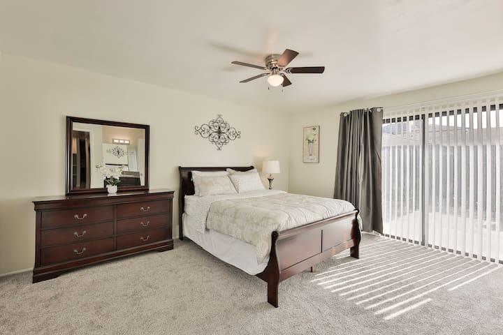 Traveller RN: Master Bedroom w/ Bath & Garage-P1M
