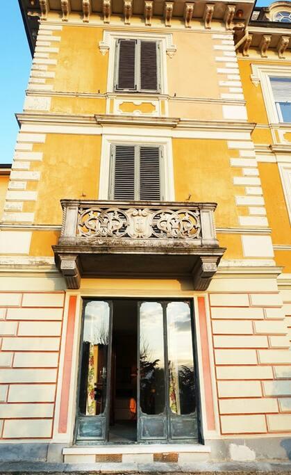 Appartamento openspace in villa con piscina torino for Affitto torino privati non arredato