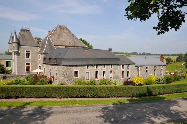 La Forge du Château-ferme de Laval - Sainte-Ode - Rumah