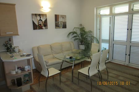 The apartment is 1 km from Split - Solin