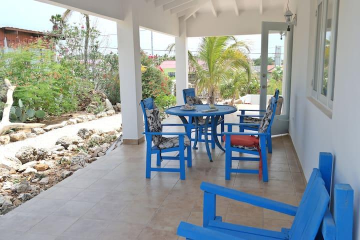 Relaxing & Spacious Villa Apartment - Paradera - Apartment