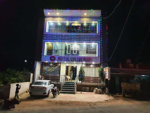 Hotel Om Sai Ram best place to stay in orchha