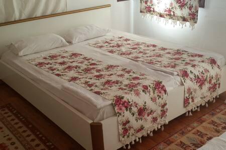 Ayvalık HayatAltı Guesthouse Rumevi - Ayvalık
