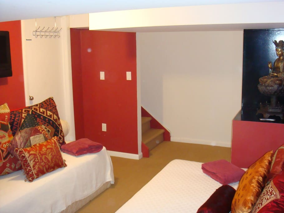Basement room noyac zen house chambres d 39 h tes louer for Chambre d hote new york