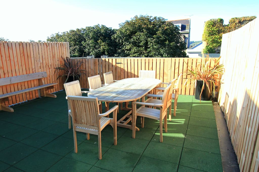 Private sunny roof terrace - overlooks the ancient towns walls - Gas BBQ,  table seats 8.