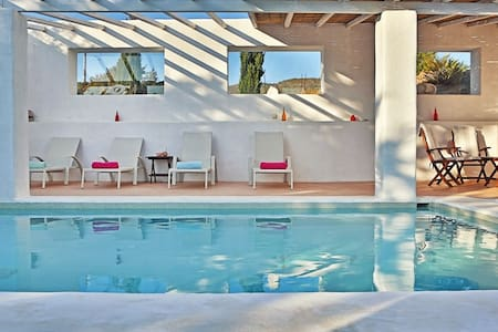 Amazing pool (non-chloric) villa, South Rhodes. - ロドス島