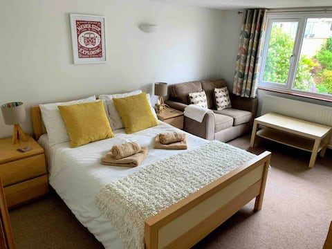 Lovely, light self contained Annexe in Georgeham.