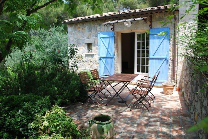 Villa dans propriété de standing - Mougins - House