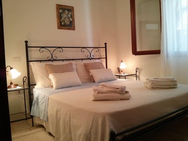 Splendida villetta sotto gli ulivi - Villasimius - Apartamento