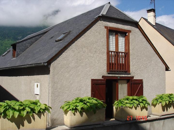 bergerie rénovée dans un petit village typique