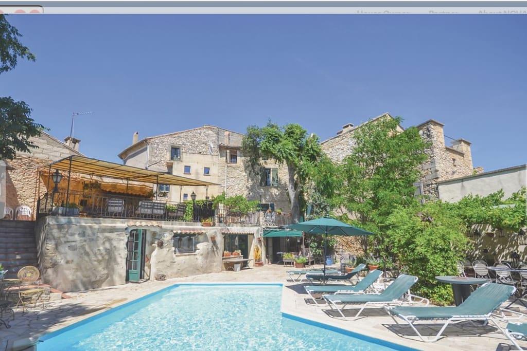 Houses and pool Maison de Maitresse