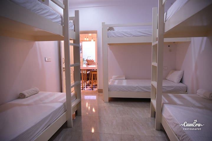 Premium luxury shared rooms for Female backpackers