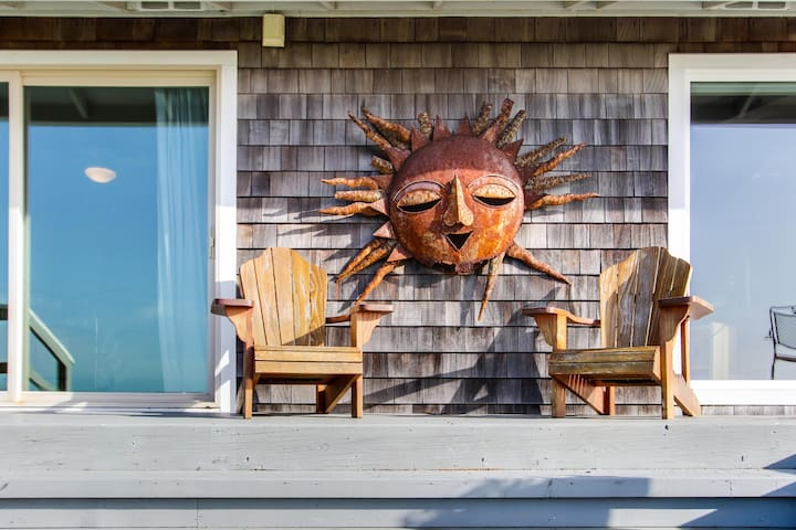 Dog-friendly oceanfront retreat close to great Northern Coast attractions!