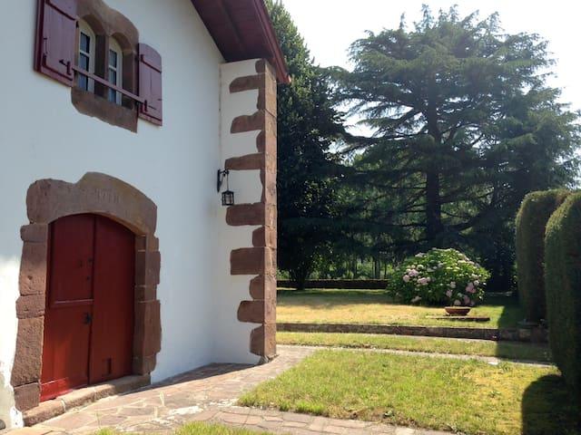 Uhaldia - Saint-Martin-d'Arrossa osses - Rumah
